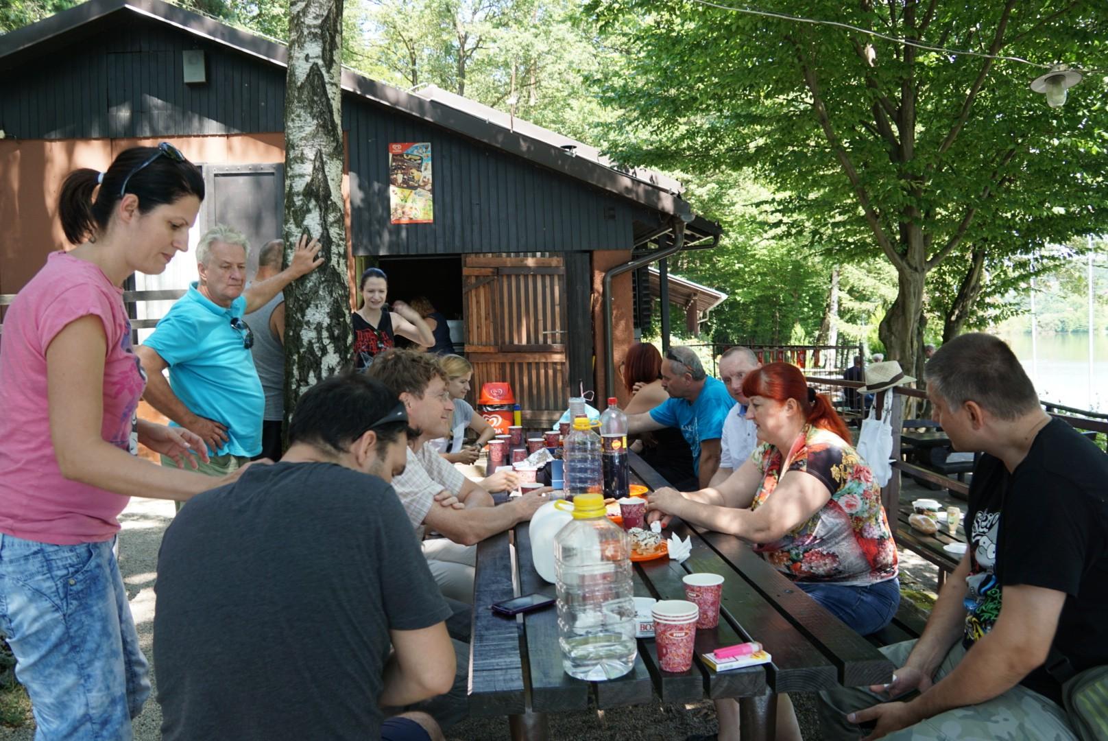 Društveni piknik ob Šmartinskem jezeru